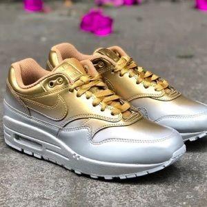Nike Air Max 1 Lx Womens / make me an offer /